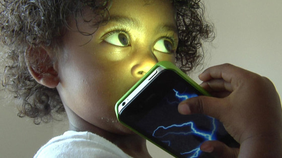 mobilize child with phone